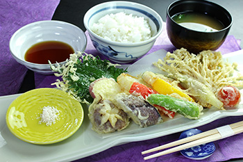 Vegetables tempura set